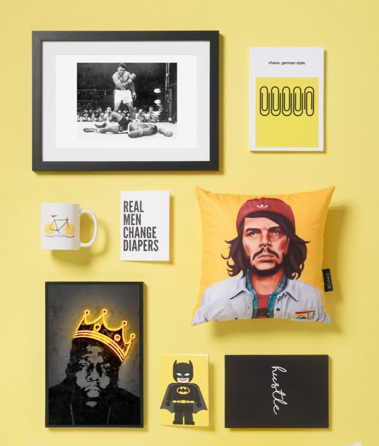 Che-Guevara-Kissen, Muhammad-Ali-Bild und Notizbücher