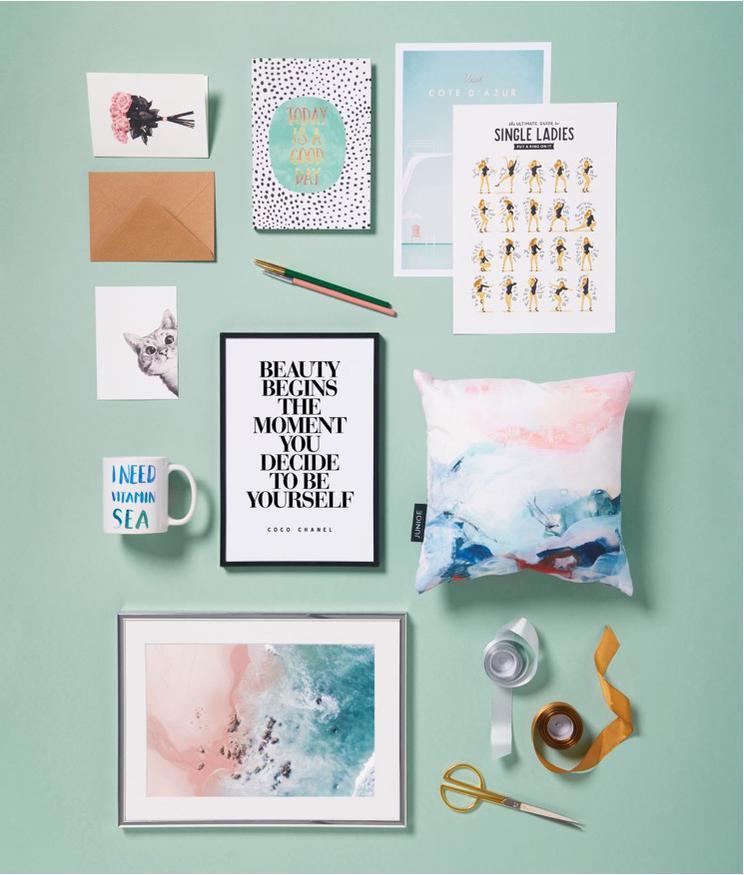 Coussins papeterie et affiches juniqe single ladies plage