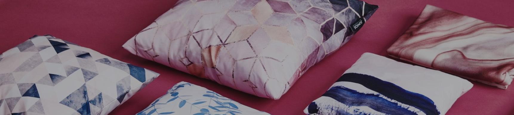 geschenke online ausgefallene geschenkideen f r jeden anlass juniqe. Black Bedroom Furniture Sets. Home Design Ideas